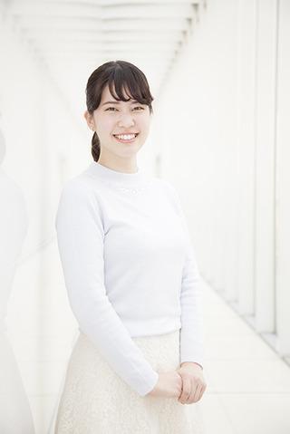 所属:放送学科アナウンスコース出身地:大阪府将来の夢:地方で輝くアナウンサー「大学1年生の頃から憧れていたOUA-TVにやっと出ることができました!10年間続いてきた番組ということで気を引き締めて頑張ります。」